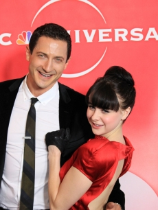 'Caprica's' Sasha Roiz and Alessandra Torresani cuddle up on the NBC TCA's party red carpet, Pasadena, Jan. 10, 2010