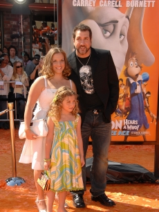 Joey Fatone, wife Kelly and daughter Briahna attend the premiere of 'Horton Hears A Who' at the Mann Village March 8, 2008 in Westwood, Calif.