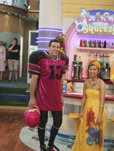 Arizona Cardinals QB Kurt Warner poses on the set of Disney Channel's 'The Suite Life On Deck' with star Brenda Song. The episode airs on January 18 on Disney XD and on January 22 on Disney Channel.