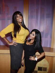 Wendy Williams poses with 'Jersey Shore's' Snooki, Jan. 21, 2010