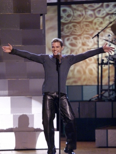 Grammy winner Ricky Martin performs at the 41st Annual Grammy Awards held at the Shrine Auditorium in Los Angeles, Calif., February 24, 1999