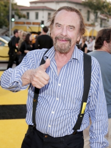 Rip Torn gives a thumbs-up at the premiere of &#8216;Bee Movie&#8217; in LA on October 28, 2007