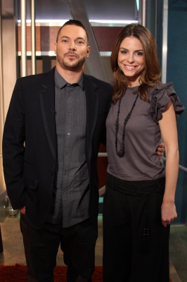 Kevin Federline poses with Access Hollywood's Maria Menounos during a visit to the Access set on January 26, 2010