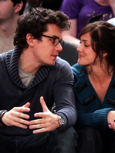 John Mayer and Minka Kelly attend NY Knicks vs Miami Heat game at Madison Square Garden in New York City on November 11, 2007