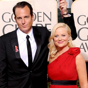 2010 Golden Globes: Will Arnett &amp; Amy Poehler - The Rain Is &#8216;Super Glamorous&#8217;