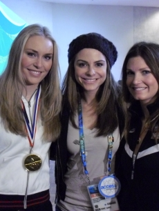 Access Hollywood's Maria Menounos poses with Lindsey Vonn and Julia Mancuso at the 2010 Winter Olympics in Vancouver, Canada, February 2010