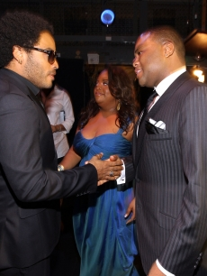 Lenny Kravitz speaks with Sherri Shepherd and Anthony Anderson backstage during the 41st NAACP Image Awards held at The Shrine Auditorium, Los Angeles, February 26, 2010