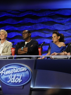 Ellen DeGeneres, Randy Jackson, Kara DioGuardi and Simon Cowell at the 'American Idol' judges' table