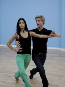 Nicole Scherzinger and Derek Hough get close while rehearsing for &#8216;Dancing with the Stars&#8217; Season 10