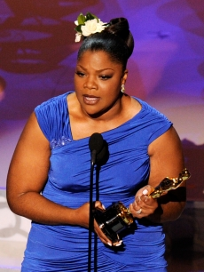 Mo'Nique accepts Best Supporting Actress award for 'Precious: Based on the Novel 'Push' by Sapphire' onstage during the 82nd Annual Academy Awards held at Kodak Theatre on March 7, 2010 in Hollywood, Calif.