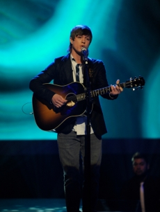 Alex Lambert performs during 'American Idol's' third week of live competition, March 10, 2010