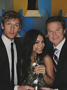 Alex Pettyfer, Vanessa Hudgens and Billy Bush at ShoWest 2010 in Las Vegas on March 18, 2010