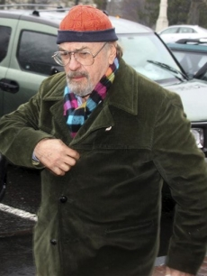 Rip Torn arrives for a hearing at Litchfield Superior Court on March 30, 2010, in Litchfield, Conn.