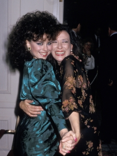 Delta Burke and Dixie Carter share a moment in 1987