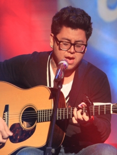 Andrew Garcia performs on the Access Hollywood set, April 16, 2010