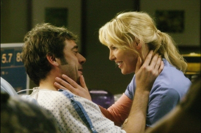 Jeffrey Dean Morgan and Katherine Heigl in a scene from 'Grey's Anatomy'