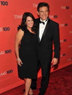 Lisa and Dr. Mehmet Oz step out at the Time 100 gala at Frederick P. Rose Hall, Jazz at Lincoln Center, in NYC on May 4, 2010