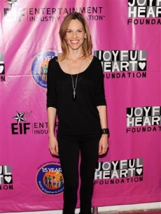 Hilary Swank attends the Joyful Heart Foundation Gala recognizing the 15th Anniversary of the Violence Against Women Act in New York City on May 5, 2010 