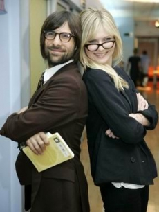 Dunst, Kirsten - Jason Schwartzman MTV TRL 10 18 06 AP