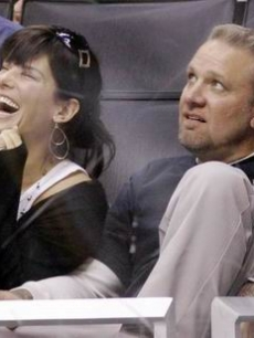 Sandra Bullock & hubbie Jesse watch the Kings vs. Ducks hockey game