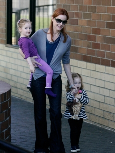 Marcia Cross takes her twin daughters Eden and Savannah to their pre-school on January 6, 2010