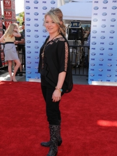Crystal Bowersox arrives on the red carpet at the American Idol Grand Finale 2010 at the Nokia Theatre in Los Angeles, California on May 26, 2010