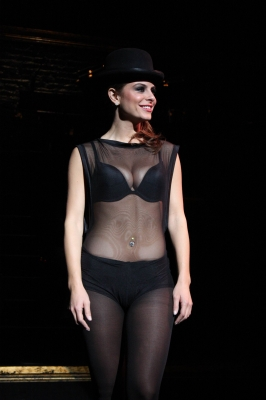 Maria takes the stage in a sexy jazz outfit for her cameo in 'Chicago'