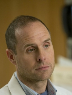 Paul Schulze as the pharmacist Eddie on Showtime's 'Nurse Jackie,' Season 2