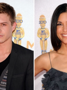 &#8216;The Twilight Saga: Eclipse stars Xavier Samuel &amp; Julia Jones hit the red carpet at the 2010 MTV Movie Awards held at the Gibson Amphitheatre at Universal Studios in Universal City, California on June 6, 2010 