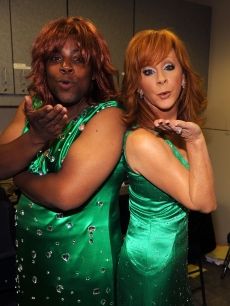 Kenan Thompson and singer Reba McEntire attend the 2010 CMT Music Awards at the Bridgestone Arena, NYC, June 9, 2010