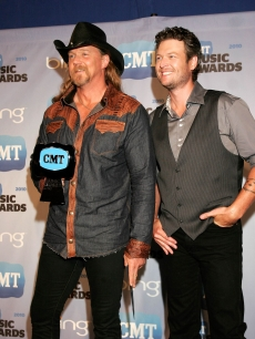 Trace Adkins and Blake Shelton, winners of Collaborative Video of the Year, pose with their trophy in the CMT Music Awards press room at the Bridgestone Arena on June 9, 2010 in Nashville, Tennessee