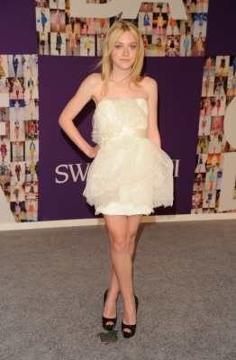 Dakota Fanning attends the 2010 CFDA Fashion Awards at Alice Tully Hall at Lincoln Center, NYC, June 7, 2010