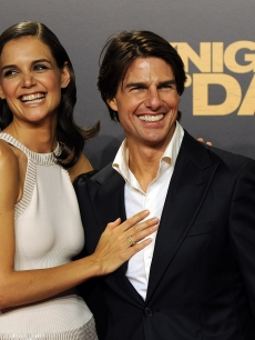 Tom Cruise and wife Katie Holmes attend the &#8216;Knight and Day&#8217; premiere at the Lope de Vega Theater in Seville, Spain, June 16, 2010