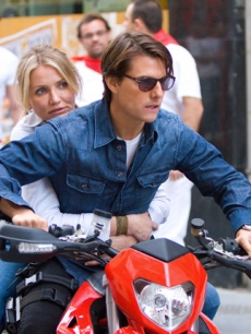 Cameron Diaz and Tom Cruise in &#8216;Knight and Day&#8217;