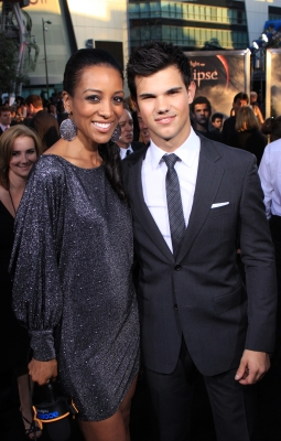 "Access Hollywood's Shaun Robinson with Taylor Lautner on ""The Twilight Saga: Eclipse"" black carpet, LA, June 24, 2010"