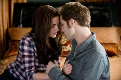 Kristen Stewart and Robert Pattinson in a steamy scene from 'Eclipse'