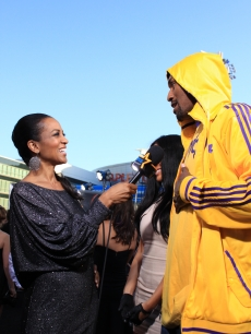 "Access Hollywood's Shaun Robinson interviews LA Laker Ron Artest at the ""Eclipse"" premiere, LA, June 24, 2010"