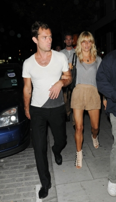 Jude Law and Sienna Miller leave a Kebab shop in Camden Town in London, England on June 28, 2010