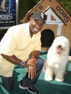 Michael Clarke Duncan arrives at the premiere of Warner Bros. 'Cats And Dogs 2' on July 25, 2010 in Hollywood, California.