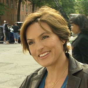 Access Archives: On The Set Of 'Law & Order: SVU' With Mariska Hargitay (2007)