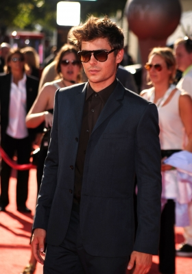 Zac Efron arrives at the 2010 ESPY Awards at Nokia Theatre L.A. Live on July 14, 2010 in Los Angeles, California.