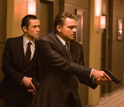 Joseph Gordon-Levitt and Leonardo DiCaprio make their move in 'Inception'
