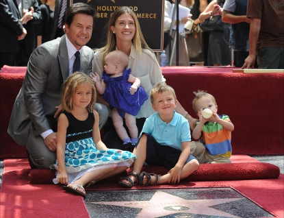 Doting dad Mark Wahlberg poses with his family &#8212; wife Rhea Durham, Ella, Grace, Michael and Brendan &#8212; as he receives his Walk of Fame star, LA, July 29, 2010