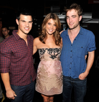 Taylor Lautner, Ashley Greene and Robert Pattinson attend the 2010 Teen Choice Awards at Gibson Amphitheatre, LA, August 8, 2010