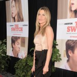 "Jennifer Aniston arrives at the premiere of ""The Switch"" at Arclight Hollywood at the Cinerama Dome in Los Angeles, on August 16, 2010"
