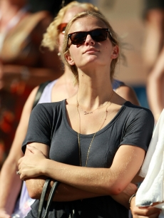 Brooklyn Decker watches the first round Men's Singles match between her husband, Andy Roddick, and Stephane Robert during the 2010 U.S. Open at the USTA Billie Jean King National Tennis Center, Queens, NYC, August 30, 2010
