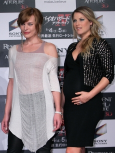 "Milla Jovovich and Ali Larter pose during the press conference for ""Resident Evil: Afterlife"" at Grand Hyatt Tokyo in Tokyo on September 3, 2010"