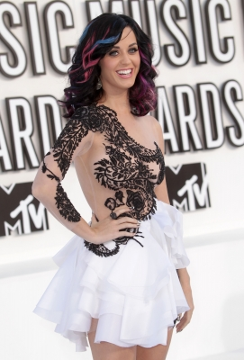Katy Perry arrives at the 2010 MTV Video Music Awards at NOKIA Theatre L.A. LIVE in Los Angeles on September 12, 2010