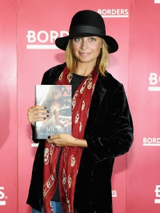 "Nicole Richie promotes ""Priceless"" at Borders Books & Music, Columbus Circle in New York City on September 28, 2010"