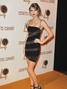 Taylor Swift attends the Roberto Cavalli party at Les Beaux-Arts de Paris as part of the Paris Fashion Week Ready To Wear S/S 2011 in Paris, France, on September 29, 2010